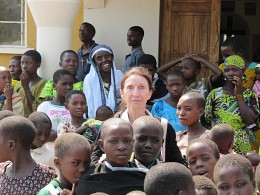 Parishioner Jean Jolly with children in Tanzania.